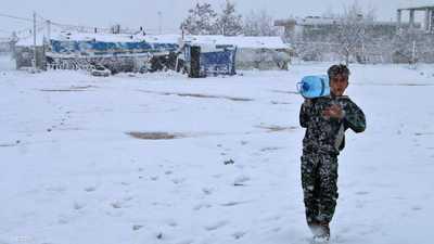 لبنان.. ثلوج وحركة مشلولة ومعاناة إنسانية