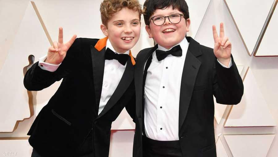 الطفل رومان دايفيز (يسار) بطل فيلم جوجو رابيت استمتع بالحفل