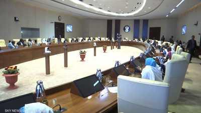 السلطات السودانية توافق على تسليم البشير للجنائية الدولية