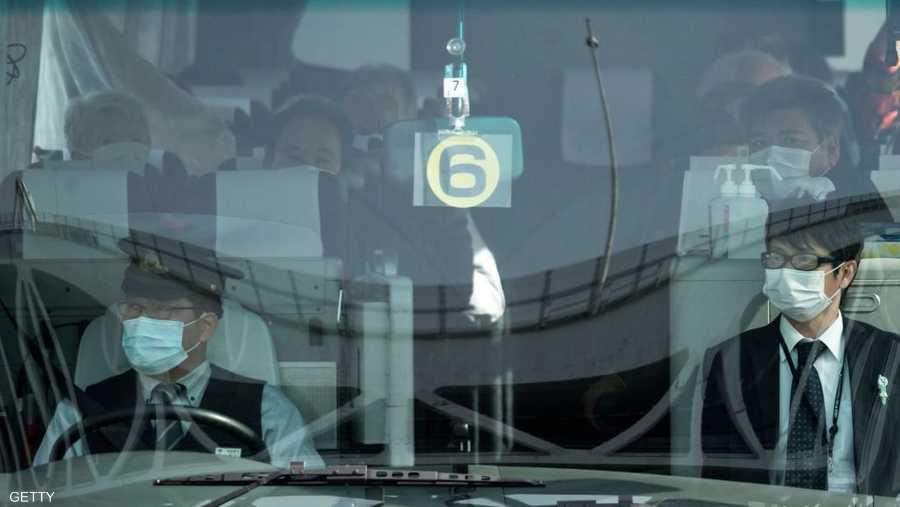 الحافلات نقلت 500 شخص من داخل السفينة