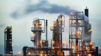 النفط يهبط في مواجهة تجدد الضبابية بشأن فيروس كورونا