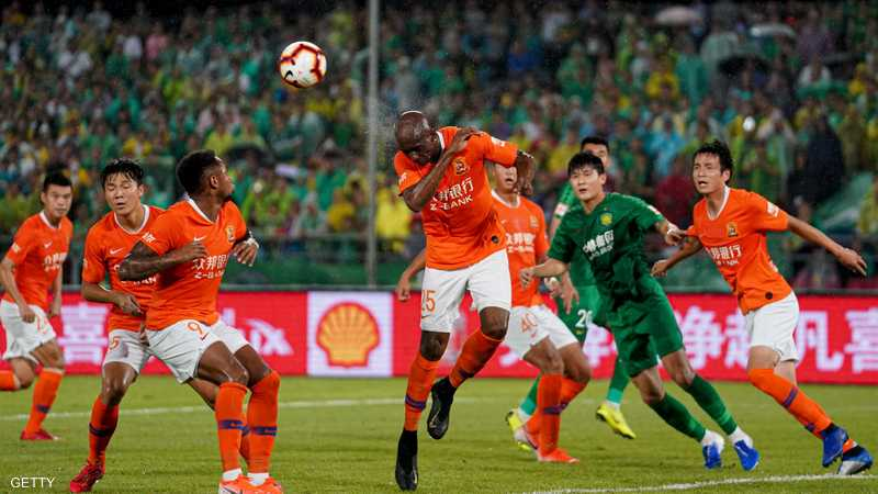جانب من مباراة لفريق ووهان في الدوري الصيني