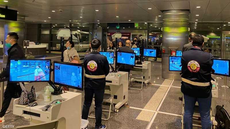 فحص المسافرين عبر مطار الدوحة الدولي