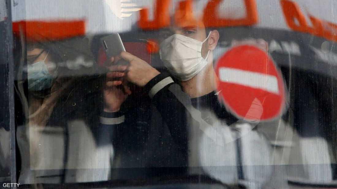 استفحل فيروس كورونا في إيران حتى باتت بؤرة رئيسية في المنطق
