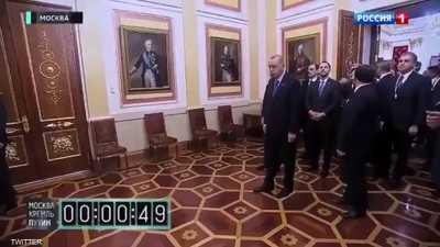 جاويش أوغلو عن فيديو انتظار أردوغان لبوتن: قلة احترام