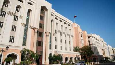 سلطنة عمان تعلق التأشيرات السياحية لمدة 30 يوما