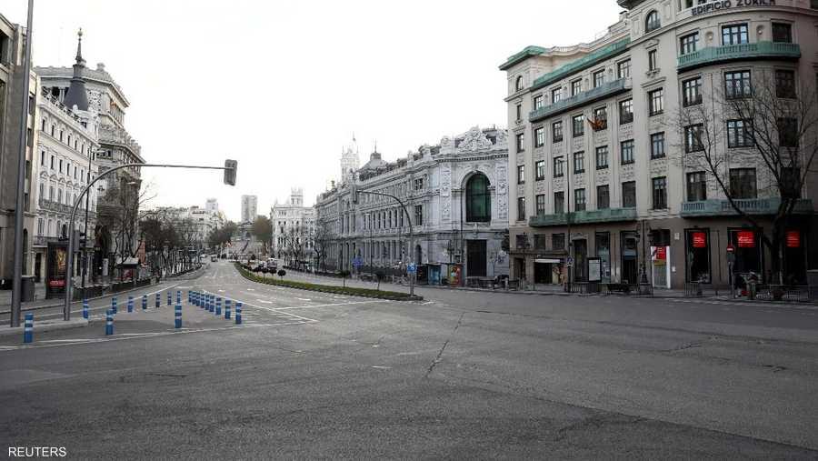 مدريد.. شوارع خالية من الناس ومحلات تجارية مغلقة