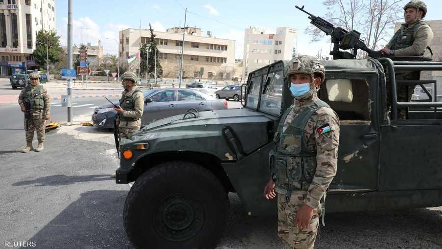 أما في الأردن فقد انتشر الجيش في الشوارع