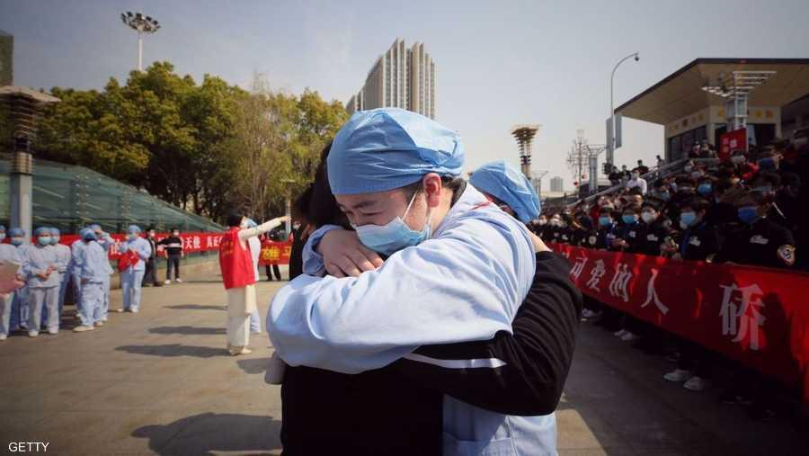 خلال مراسم رحيل فريق طبي بعد إتمام مهمته في ووهان