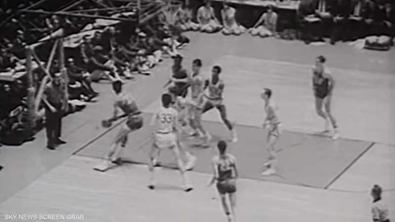 """كريم عبد الجبار.. قصة أسطورة """"NBA"""""""