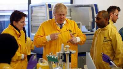جونسون وكورونا.. كيف التقط العدوى وما مصير حكومة بريطانيا؟