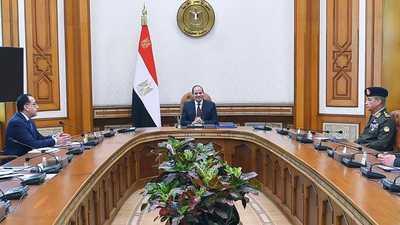 السيسي يبحث ملفات كورونا والإرهاب.. وتوفير الخدمات للمصريين