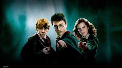 """""""هاري بوتر"""" يستخدم سحره في مواجهة كورونا.. بـ """"هدية"""""""