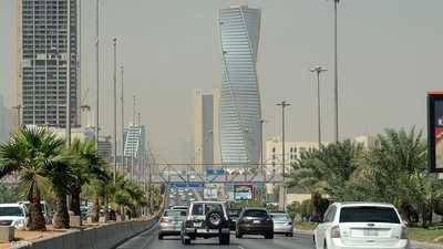 """السعودية تقصر العمل بشركات نقل الركاب """"الذكية"""" على المواطنين"""