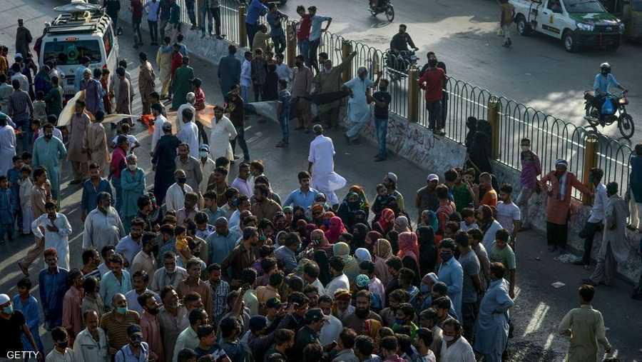 تجمع بالآلاف في باكستان.