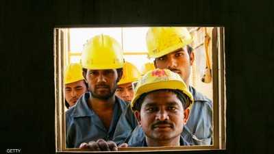 """في قطر.. عمال يتسولون """"فتات الطعام"""" لكي يبقوا أحياء"""