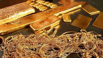الذهب يصعد.. ويقترب من ذروته القياسية
