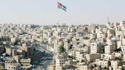 كورونا يُفسد فرحة الأردنيين بالعيد ... ويعيد فرض حظر التجول