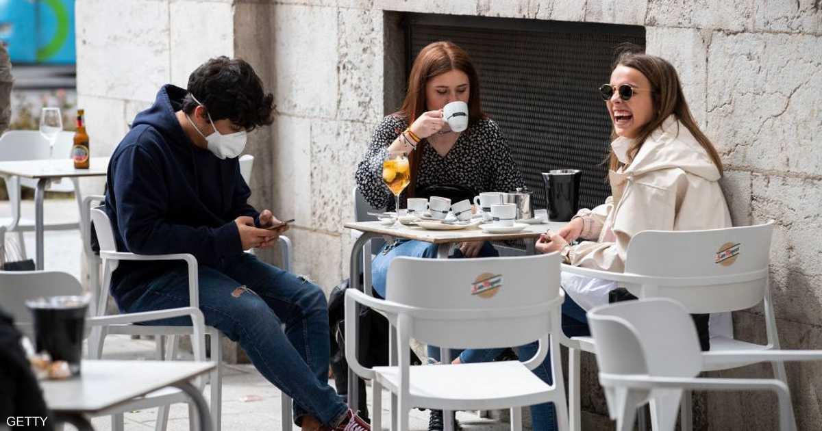 مدريد وبرشلونة.. طريقتان مختلفتان في التعامل مع كورونا