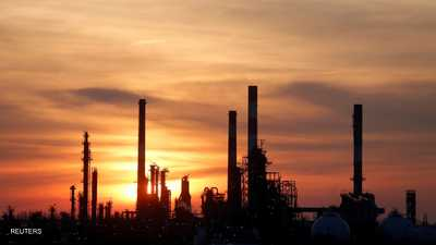 """تخفيف """"قيود كورونا"""" يرفع أسعار النفط"""