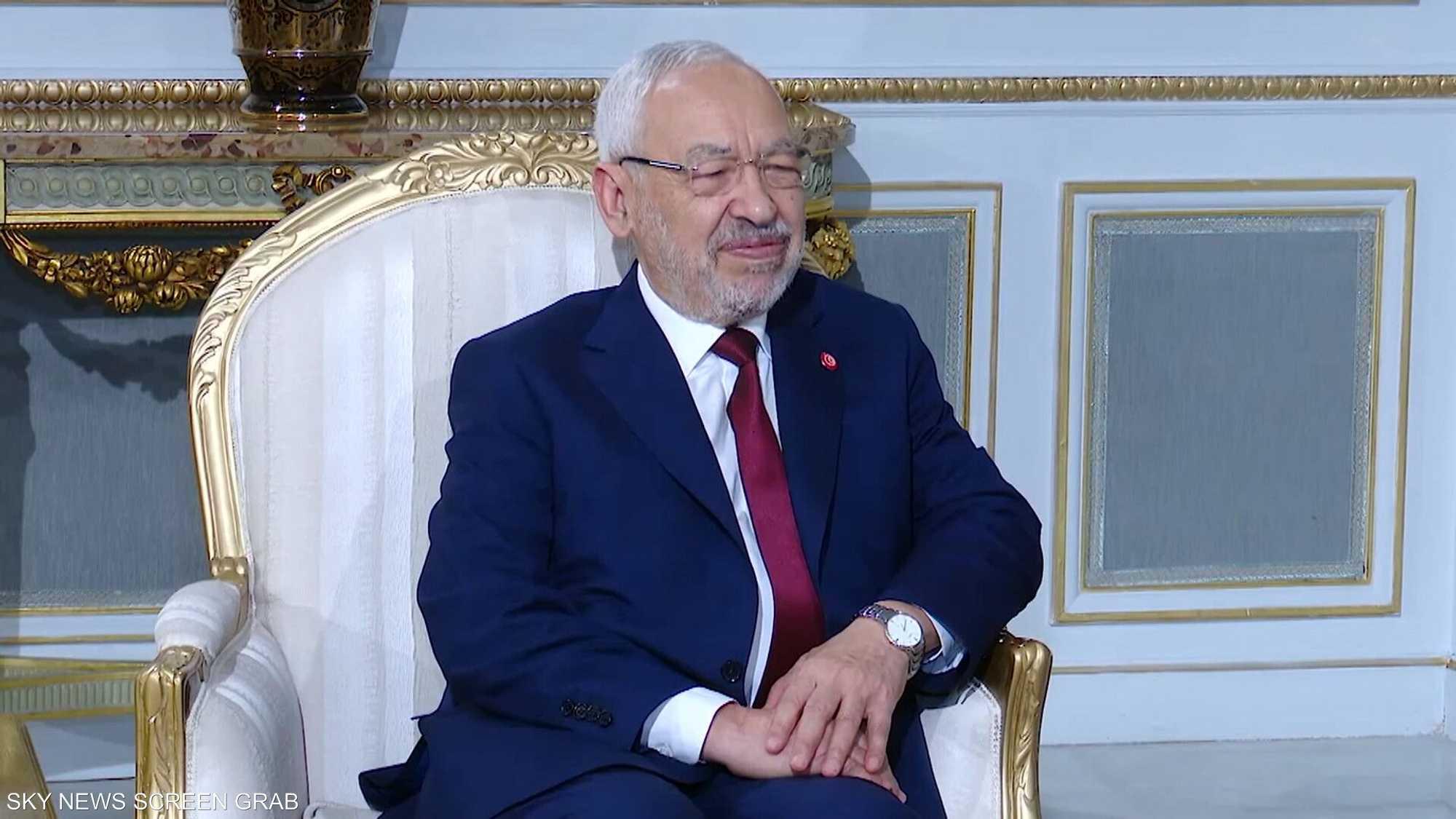 الغنوشي.. مادة خلافية في تونس سياسيا وشعبيا