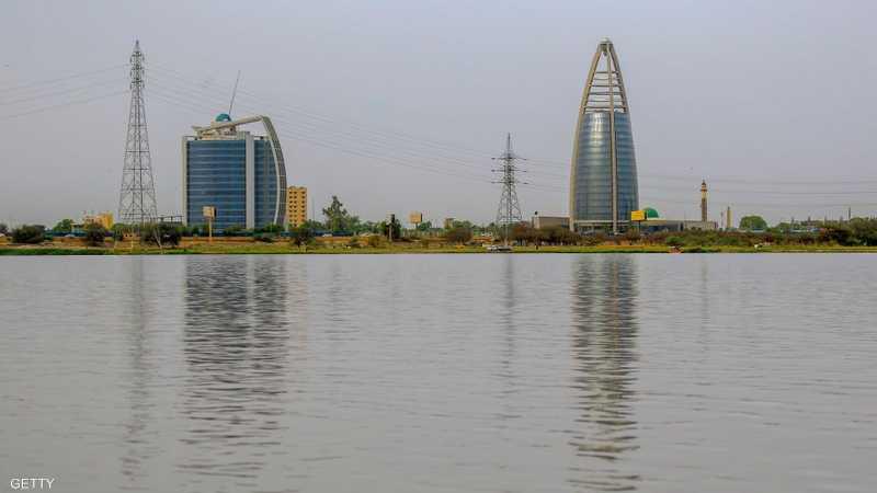السودان يمدد الحظر ويبدأ تفويج العالقين | أخبار سكاي نيوز عربية