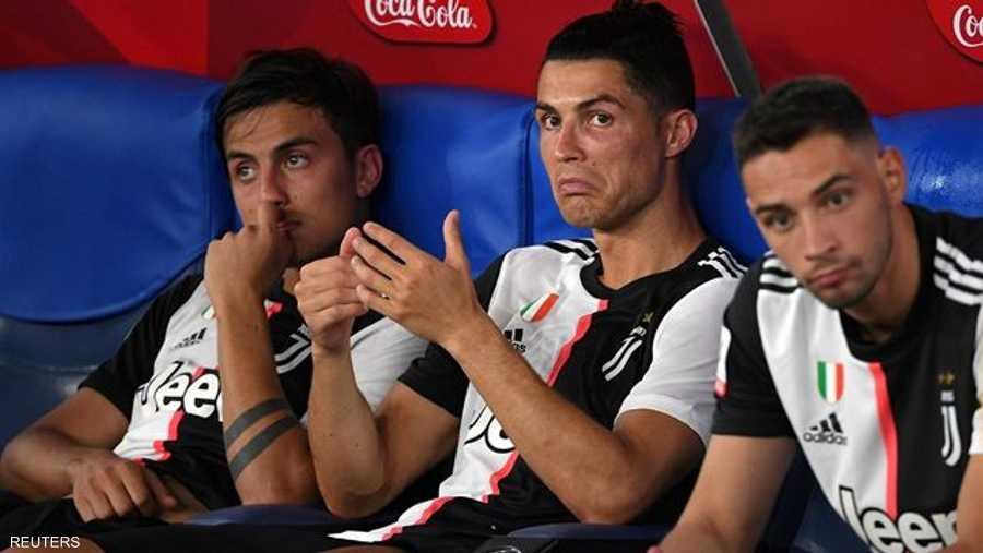 أتيحت لنابولي الفرص الأخطر طيلة المباراة بينما لم تصل الكرة كثيرا إلى كريستيانو رونالدو مهاجم يوفنتوس الذي قدم أداء مخيبا للآمال.