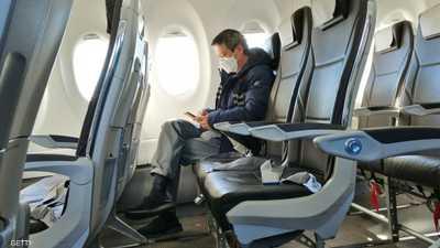 كورونا.. دراسة تعيد المقعد الأوسط بالطائرات إلى الواجهة