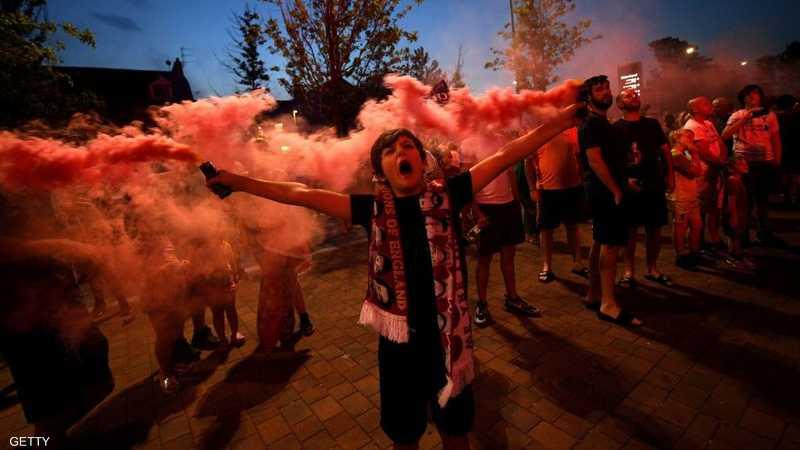 احتفالات صاخبة في ليفربول بعد التتويج رسميا بالدوري