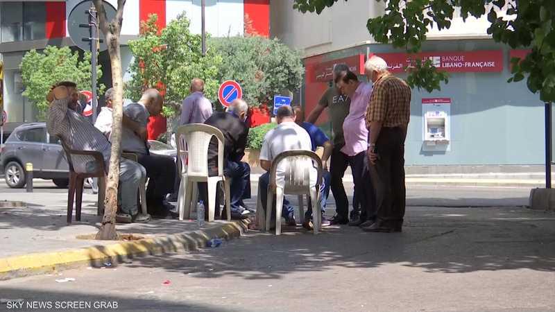 لبنان.. تفاقم الأزمة الاقتصادية مع تواصل انهيار الليرة