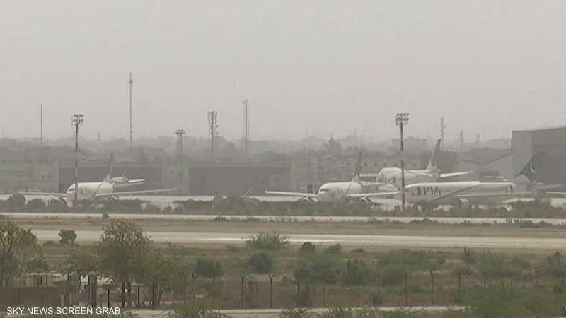 باكستان.. فصل 262 طيارا للاشتباه في تزوير شهاداتهم