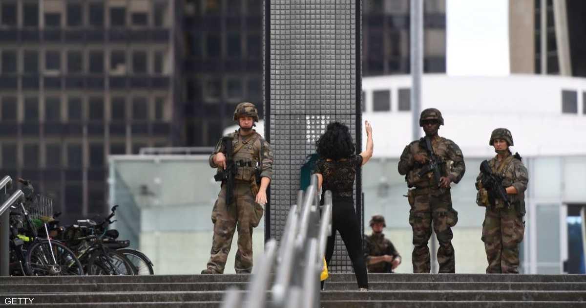 فرنسا.. عملية أمنية لتوقيف مسلح في باريس