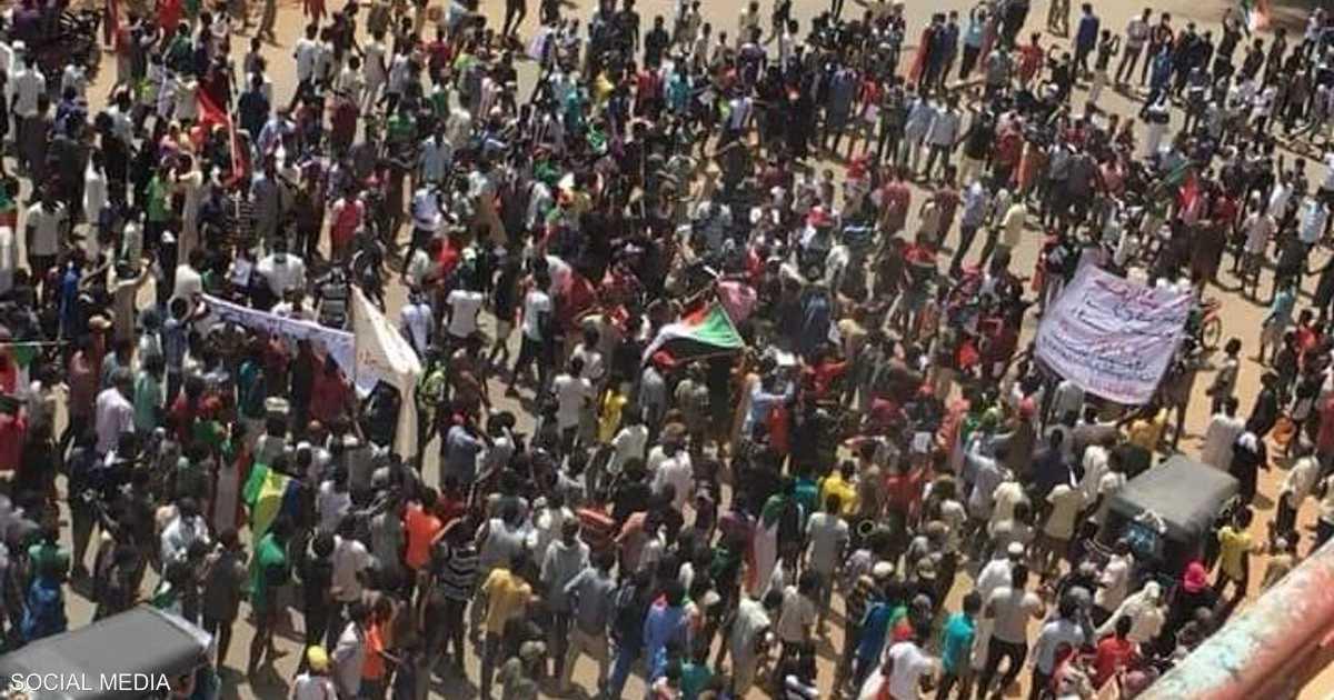 شوارع الخرطوم تلتهب.. مليونية 30 يونيو تنطلق بحشود ضخمة