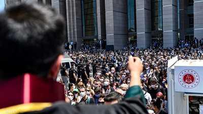 """آلاف المحامين الأتراك يحتجون على """"خطة أردوغان"""""""