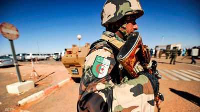 الجزائر.. كشف وتدمير 12 مخبأ للجماعات الإرهابية