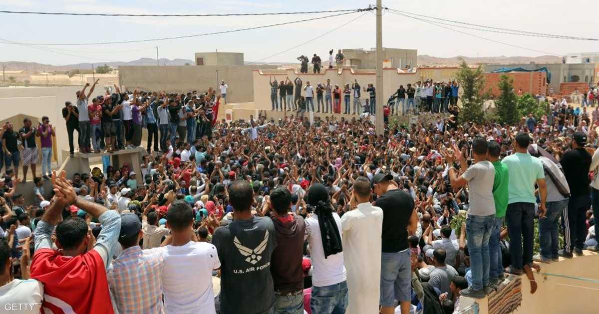 إضراب في مواقع لإنتاج النفط جنوب تونس   أخبار سكاي نيوز عربية