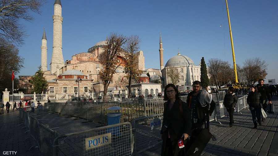 """آيا صوفيا مدرجة على قائمة منظمة الأمم المتحدة للتربية والعلم والثقافة """"يونسكو"""" لمواقع التراث العالمي كمتحف."""