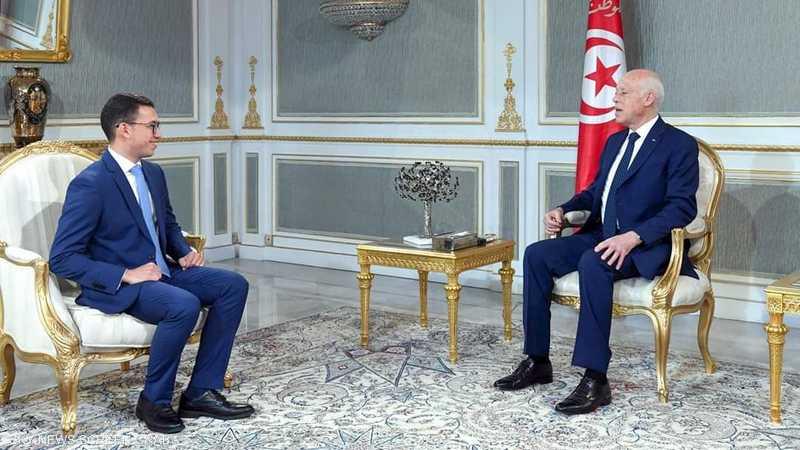 الطالب التونسي وسيم الذوادي مع الرئيس قيس سعيد