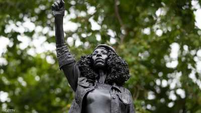 """بريطانيا.. تمثال متظاهرة """"إفريقية"""" يعوض نصب """"تاجر الرقيق"""""""