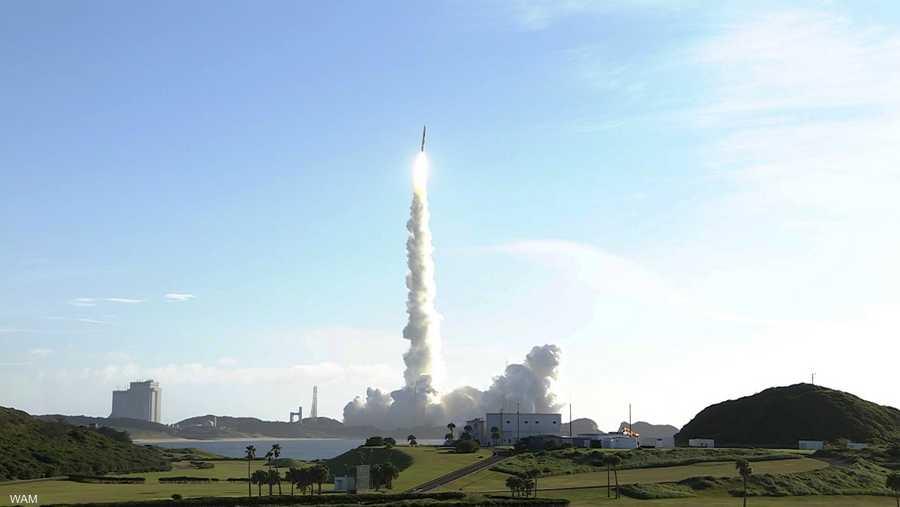 أقلع الصاروخ من منصة ميتسوبيشي للصناعات الثقيلة، حيث تستغرق رحلة المسبار إلى المريخ 7 أشهر، بحيث يتوقع أن يبلغ مدار الكوكب الأحمر في فبراير 2021.