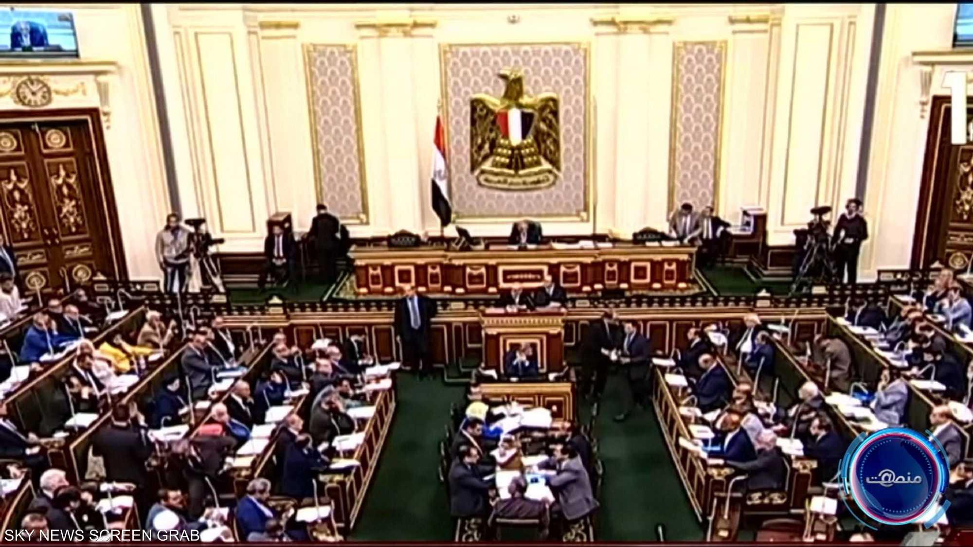 البرلمان المصري يوافق على إرسال قوات الجيش خارج البلاد