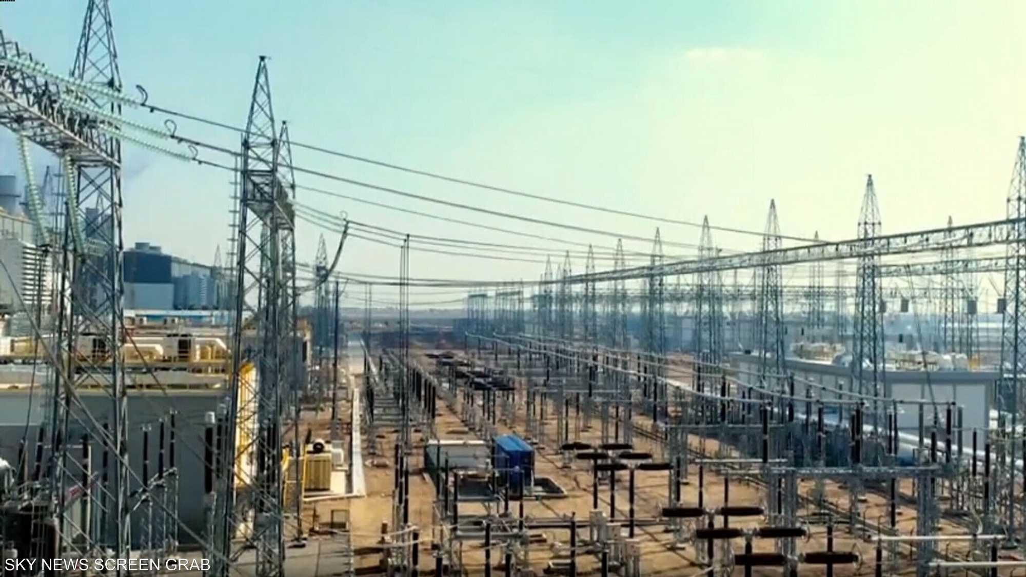 البرلمان العراقي يشكل لجنة لمحاسبة وزراء الكهرباء