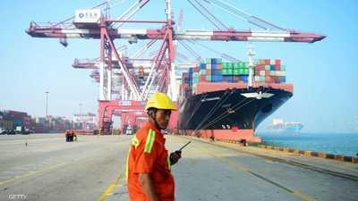 """التجارة العالمية تضررت بقيود أزمة كوفيد-19 والقادم """"أعظم"""""""
