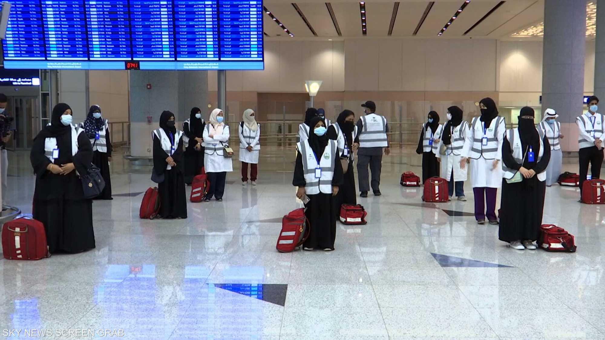 وصول دفعات من الحجاج إلى مطار الملك عبدالعزيز الدولي في جدة