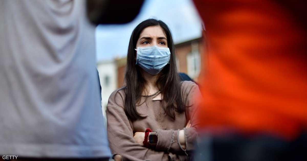"""معيارٌ علمي جديد يحددُ """"المخالطين"""" لمصابي فيروس كورونا"""