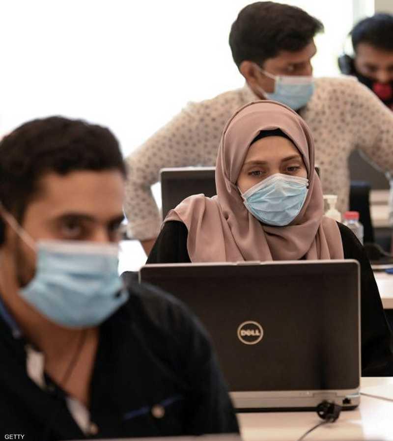 """شملت دراسة """"أولويات الشباب العربي"""" 7000 شاب وشابة من 21 دولة"""