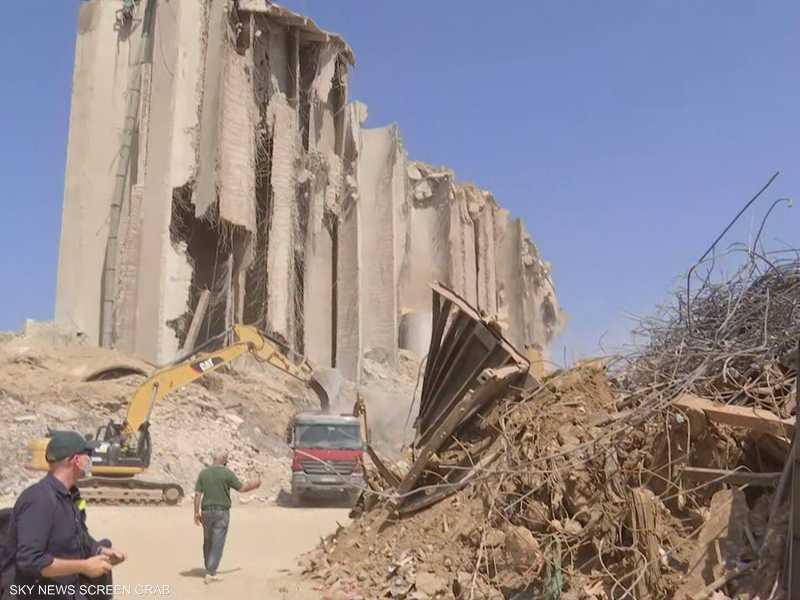 مرفأ بيروت دمر بشكل تام من جراء الانفجار