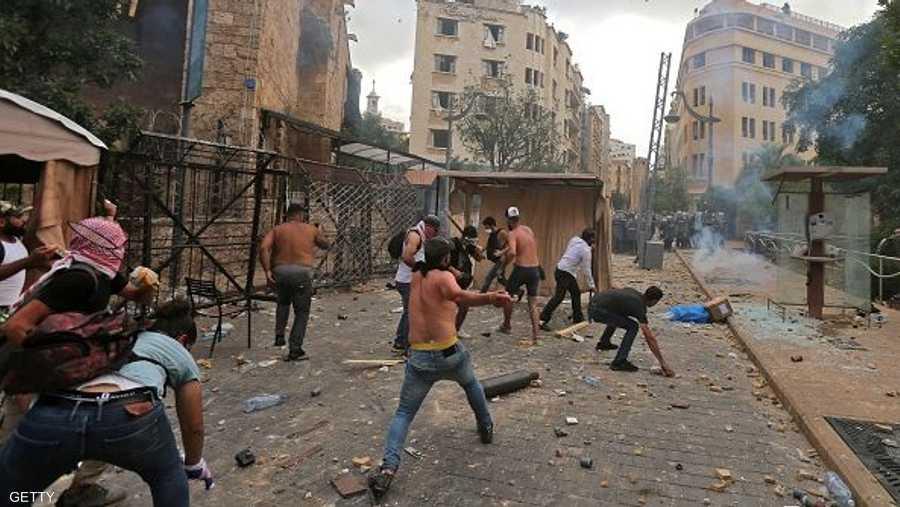 تخللت التظاهرات أحداث عنف مع أجهزة الأمن