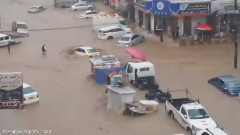 سيول جارفة تلحق أضرارا بالغة بمنازل صنعاء وشوارعها