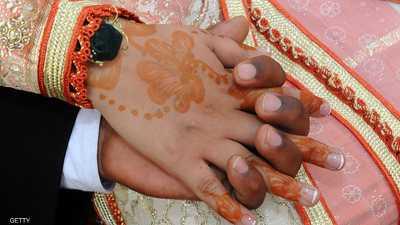 العروسان أقاما الزفاف بشكل سري